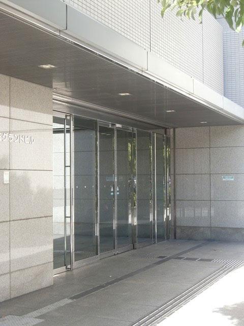 御堂筋グランドビル(入り口)